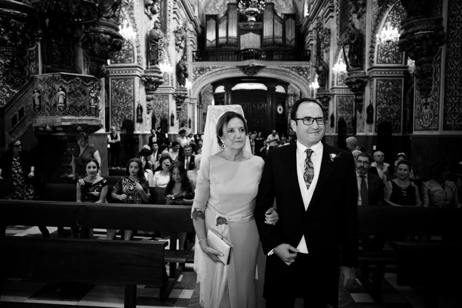 boda-basilica-angustias-caballo-blanco-020